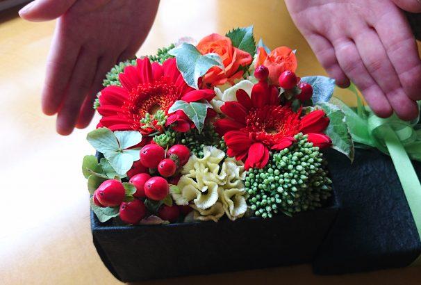 花は最高の贈り物。古屋旅館オリジナルのボックスフラワーはいかがですか?