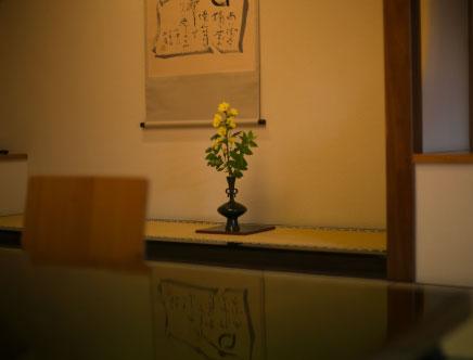 日本の建築様式の一つである、 数寄屋風を取り入れた客室