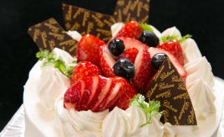 いちごホールケーキ