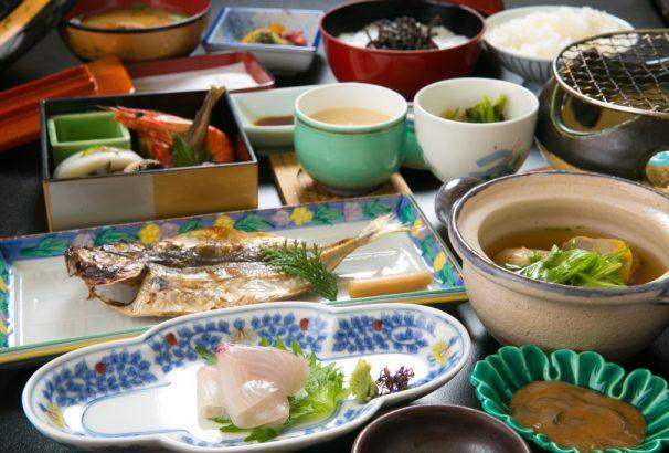 熱海 古屋旅館なら、夕食も朝食も部屋食!!安心・快適な部屋食で旅館を楽しく!!