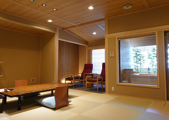 檜の源泉室内露天風呂付き客室(離れ棟12.5畳)